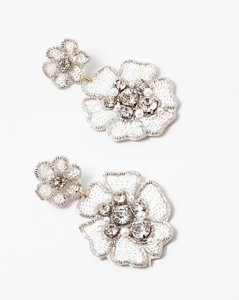 White Flower Handmade Beaded Resort Earring